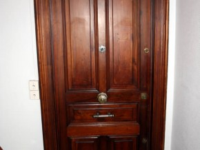 Porte d'entrée 1er étage